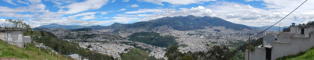Figure 2: Quito's situation in a large mountain valley (seen from the east).